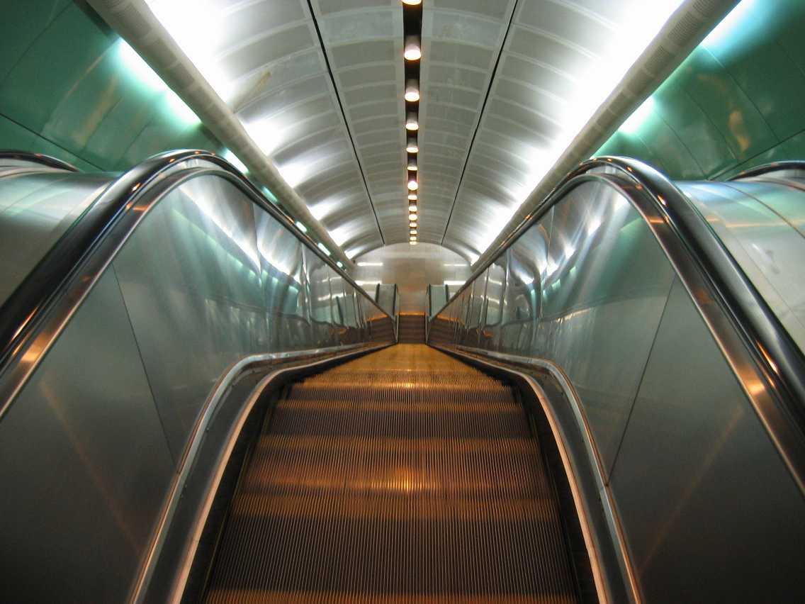 Guangzhou escalator1.jpg